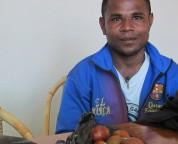 Papua student brengt Matoa