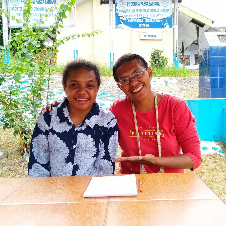 Alda (left) with Hapin-coördinator Nova (right)
